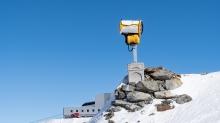 Stubaier Gletscher, Stubaital, Tirol, Austria / Schneekanone