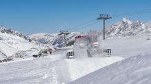 Pistenraupe / Stubaier Gletscher, Stubaital, Tirol, Austria