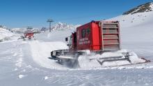 Pistenrettung / Stubaier Gletscher, Stubaital, Tirol, Austria