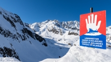 Warntafel: Stop Lawinengefahr / Stubaier Gletscher, Stubaital, Tirol, Austria