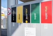 Tanken / Diesel / Tankstelle Aldrans, Tirol, Austria