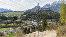 Umspannwerk Vill, Tirol, Austria / Hochspannungsmast, Hochspannungsleitung