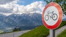 Fahrverbot für Fahrräder / Windegg, Tulferberg, Tulfes, Tirol, Austria