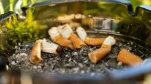 Zigarettenstummel / Kippen im Aschenbecher
