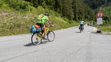 Tourenradfahrer Richtung Italien / Tirol, Austria