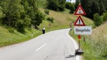 Hinweisschild: Staugefahr / Ellbögen, Tirol, Austria