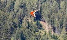 Hängegleiter, Drachenfliegen / Stubaital, Fulpmes, Tirol, Austria