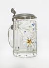 bemalter Bierkrug aus Glas mit Zinndeckel