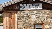 Bergrettungshütte der Ortsstelle Hall / Glungezer, Tirol, Austria