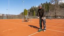 Frühjahrsinstandsetzung eines Tennisplatzes