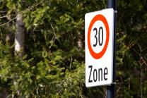 Verkehrsschild: Beginn einer Tempo 30 Zone