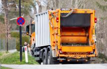 Müllwagen in Lans, Tirol, Österreich