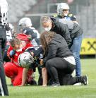 Rettungssanitäte beim American Football / Tivoli Stadion, Innsbruck, Österreich