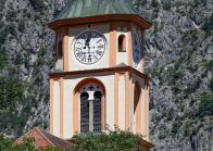 Kirchturmuhr der Pfarrkirche Silz, Tirol, Österreich