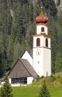 Alte Pfarrkirche in Navis, Tirol, Österreich