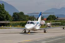 Privatflugzeug am Flughafen Innsbruck, Tirol, Österreich